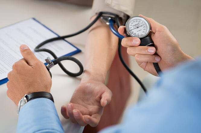 hipertenzija 1-2 rizika 2 rizika)