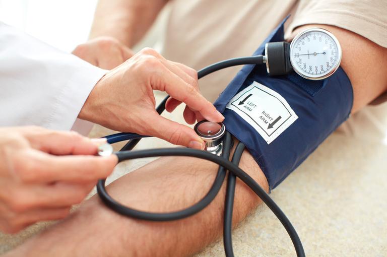 hipertenzija hiperglikemija vaistų masažas nuo hipertenzijos